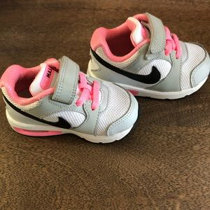 Nike Shoes - Nike Air max trax trainers Size 5 Toddler cef145e49